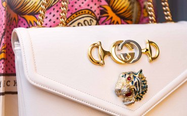 Logos, Luxury and Status Symbol. Fashion & History!